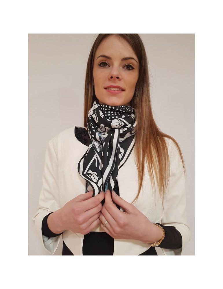 Fracomina foulard bianco e nero fr18sp200054 FRACOMINA