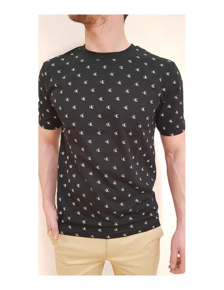 Calvin Klein t shirt nera girocollo stampa logo monogram all over j30j311628099 CALVIN KLEIN JEANS T SHIRT UOMO product_reduc...
