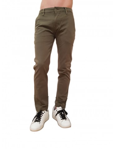 Pantalone Levis verde chino slim taper fit